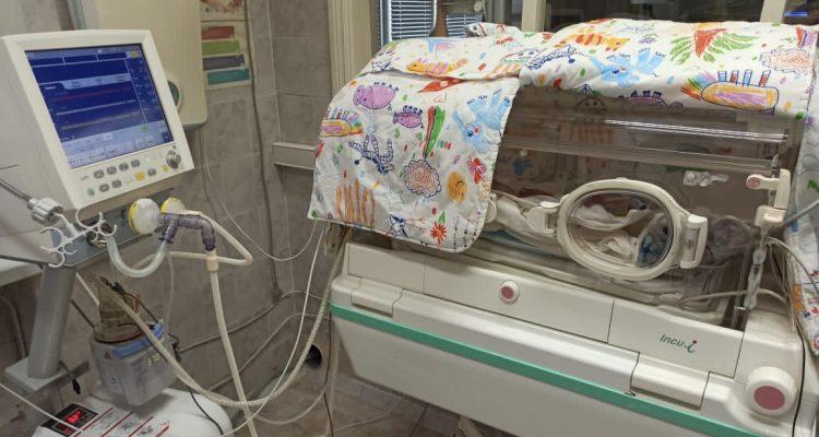 В борьбе за жизнь и здоровье маленьких пациентов: перинатальный центр АМОКБ оснастили современным оборудованием